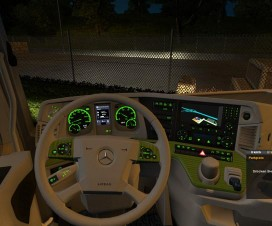 mercedes-benz-mp4-white-green-v1-0_1
