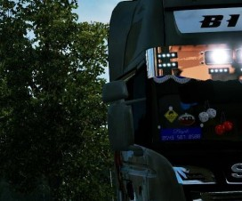 new-scania-chrome-sunshield_1