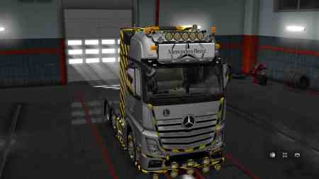 LightBox for Mercedes-Benz Actros 2014 1.30